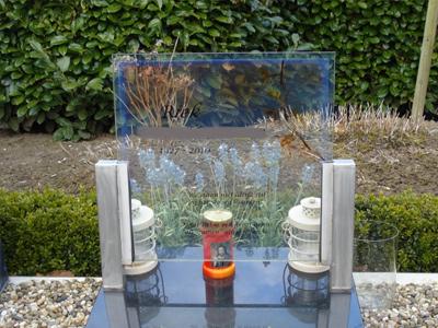 glas grafsteen