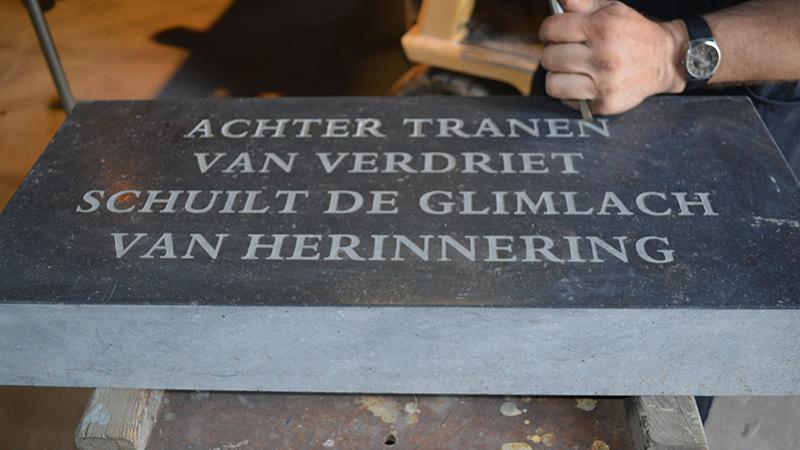grafsteen teksten