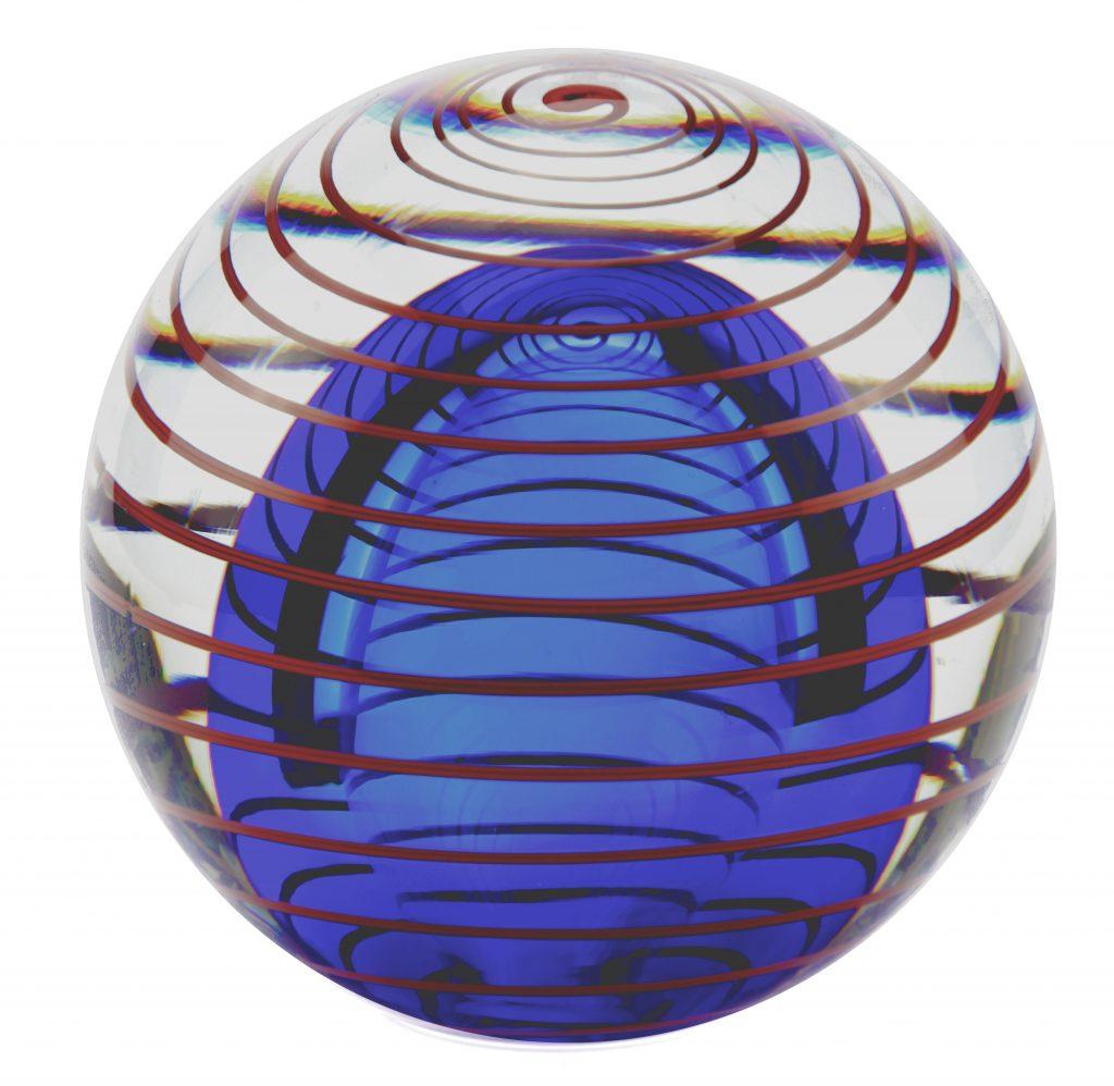Massief Glazen Bollen.Urnen Van Glas Gerritsen Grafmonumenten En Urnen