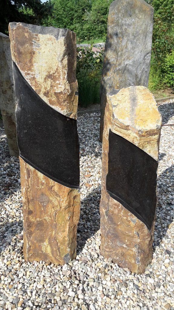 Twee zuilen van Basalt met een gepolijst vlak voor tekst