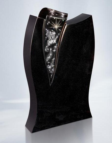 Swarovski kristallen op een zwart granieten gedenksteen