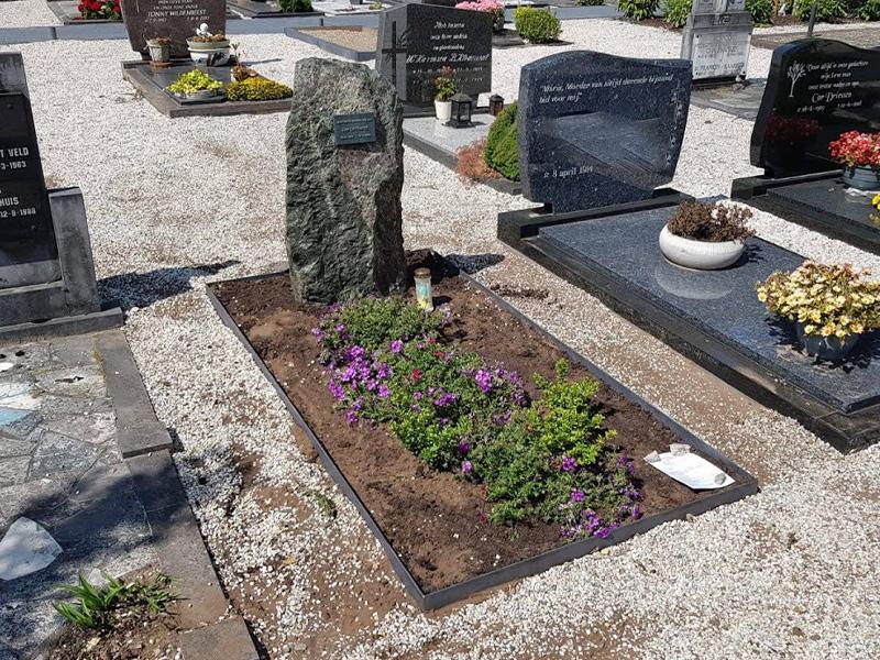 ruwe-grafsteen